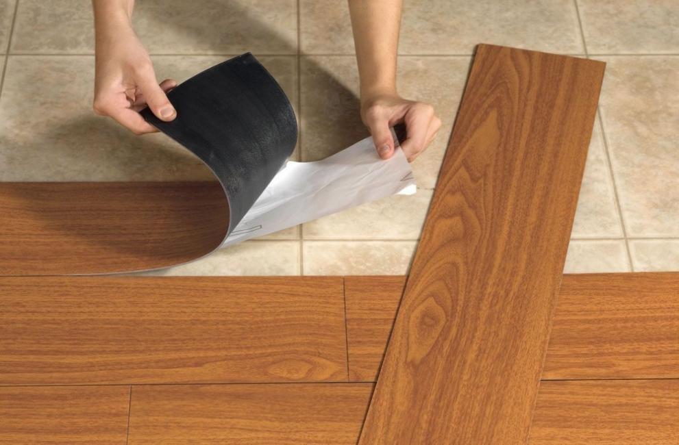 ideas alternativas para redecorar tus pisos - láminas adhesivas