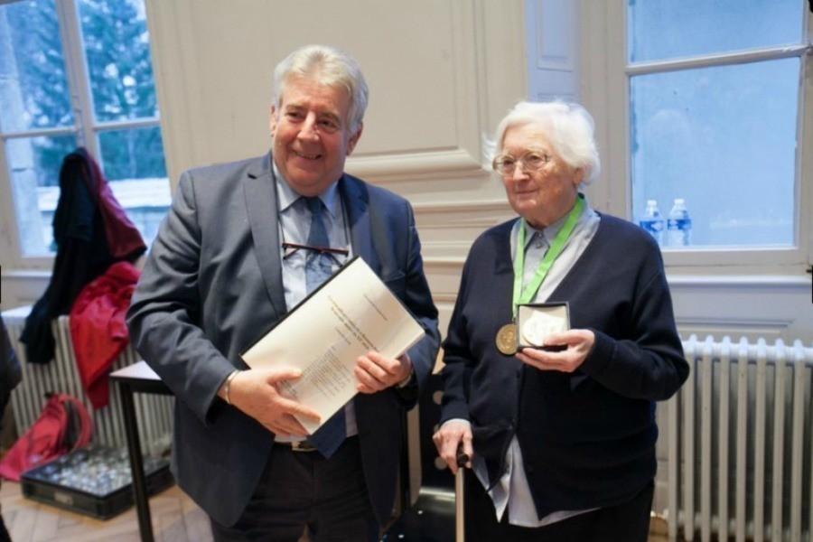 Colette Bourlier- 91 años tesis- diploma