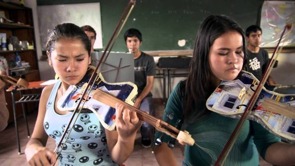 Ellos hicieron de la basura, ¡música!- documental