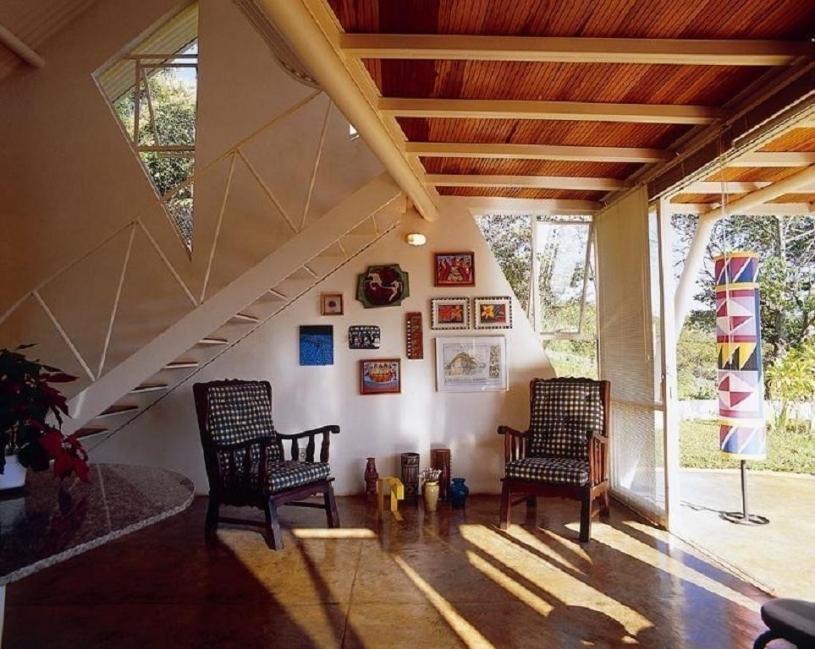 casita de encanto en medio de Minas Gerais- sala