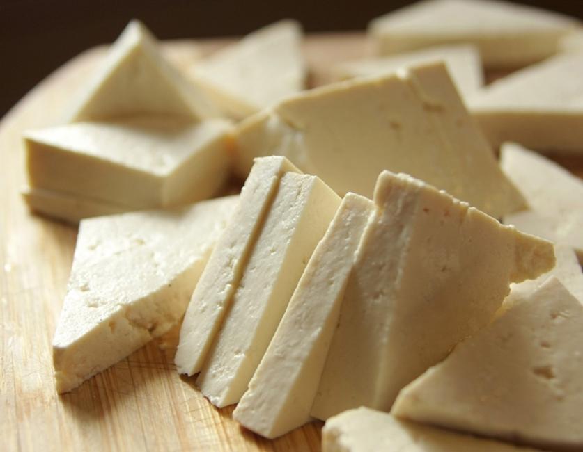 Wraps de vegetales - cortar tofu