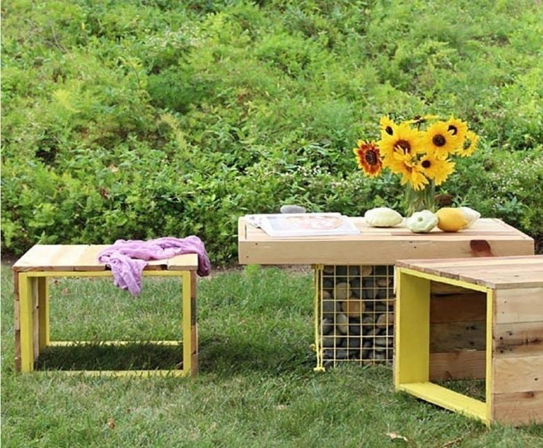 Remodela tu pequeño espacio con este living tropical hecho de pallet- frente