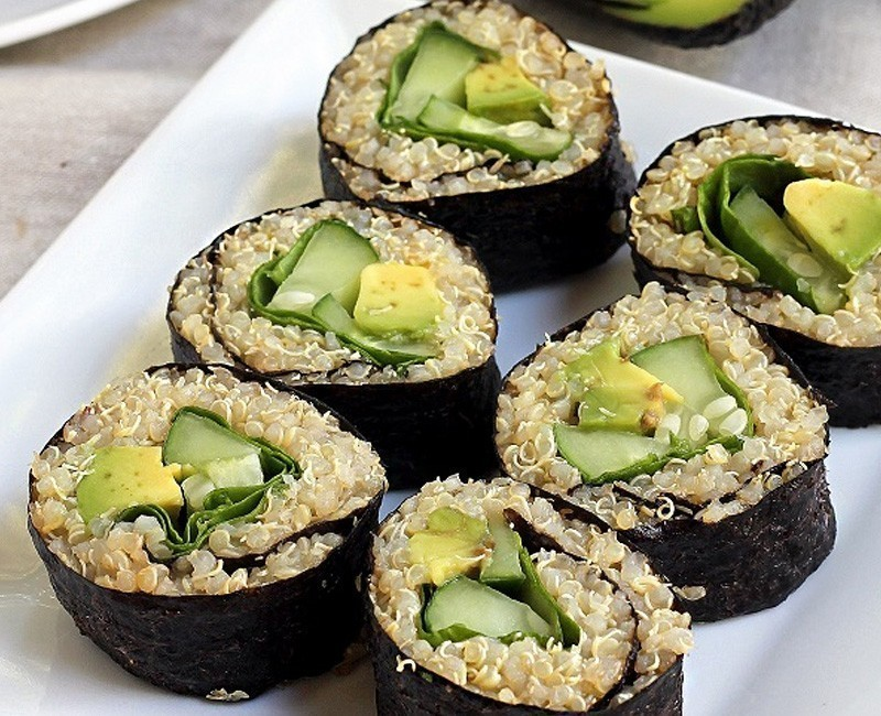 sushi aguacate y quinoa