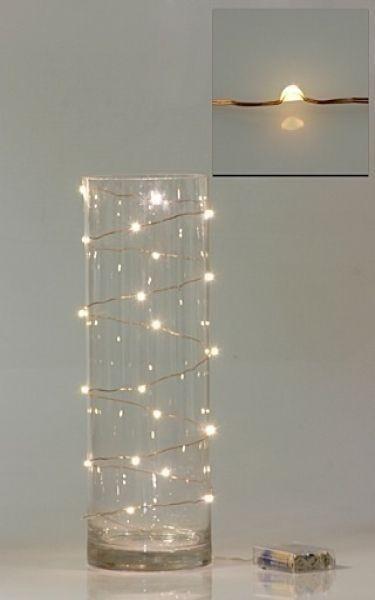 Florero vacío y luces