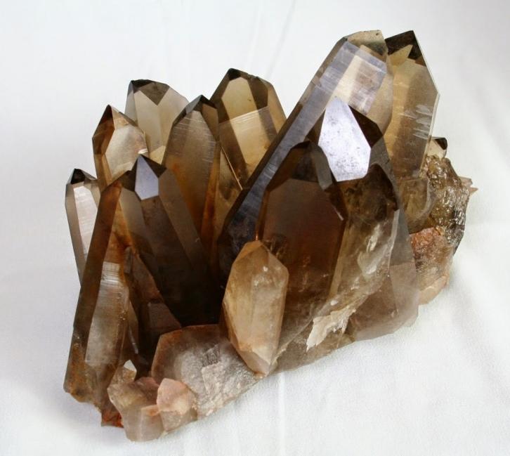 Piedras naturales: usos y propiedades-cuarzo ahumado