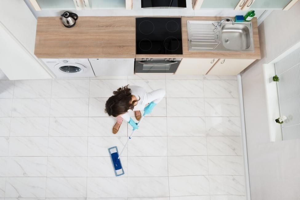 limpiar la casa con felicidad