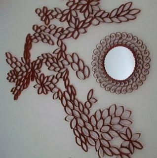 Espejo decorado con rollos de papel