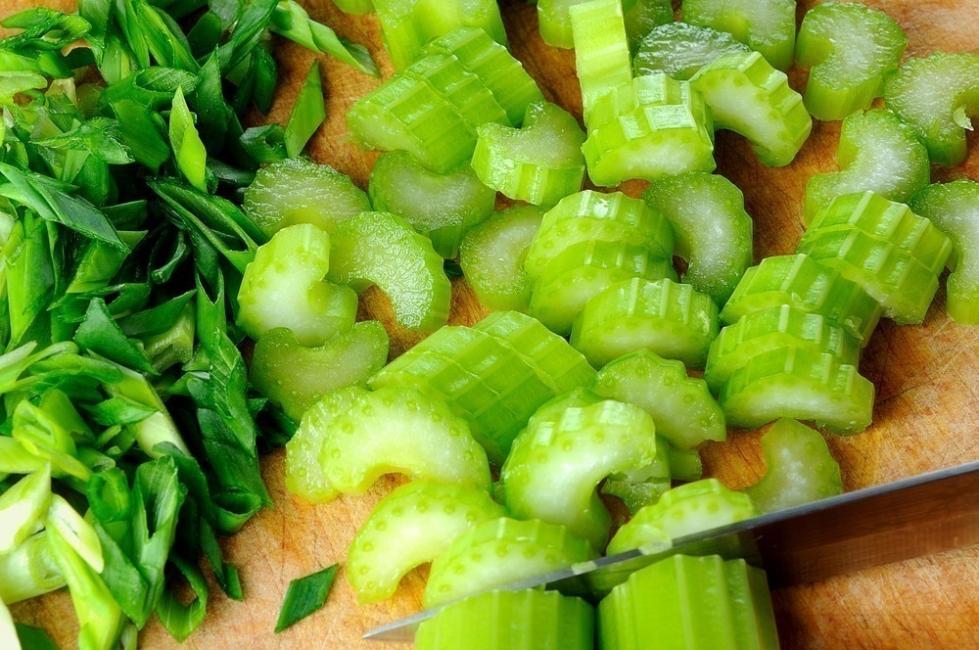 Alimentos con calorías negativas - apio
