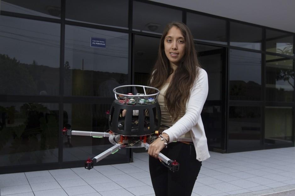 Dron que detecta la contaminación en el aire - Mónica Abarca joven ingeniera peruana