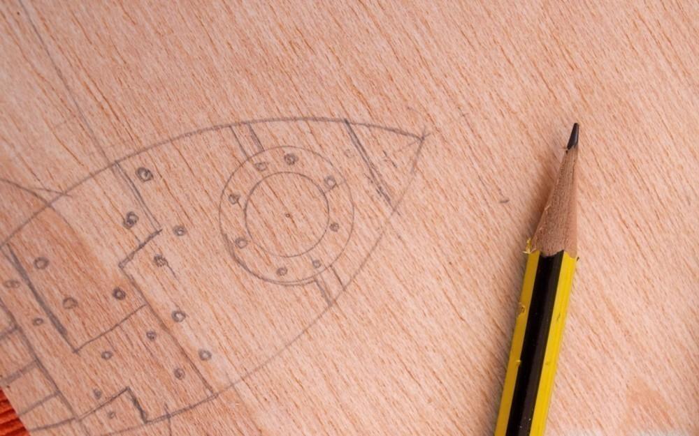 hacer pirograbado - hacer el dibujo con lápiz