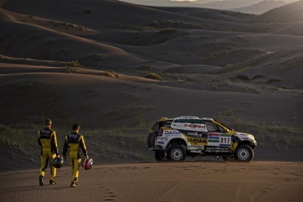 Denuncia al Dakar 2016 por impacto ambiental - camioneta