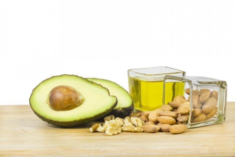 grasas insaturadas aguacate nueces aceite