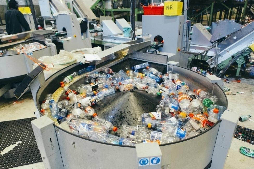 Maquina de reciclaje