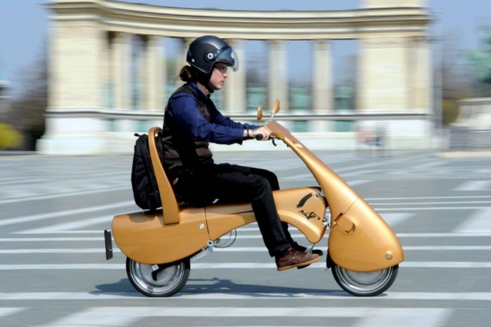 Moveo, un Scooter eléctrico que se pliega como equipaje