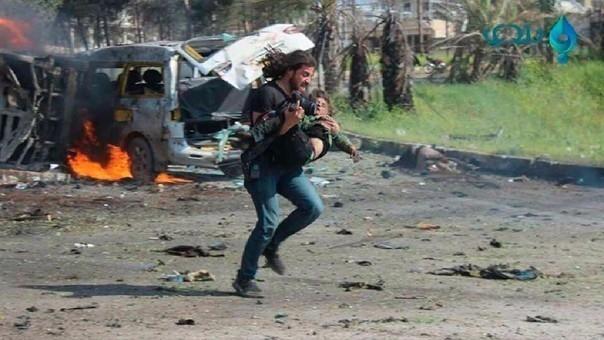 Abd Alkader Habakdeja su cámara para rescatar a un niño