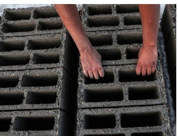 El uso del cemento data de la Antigua Grecia