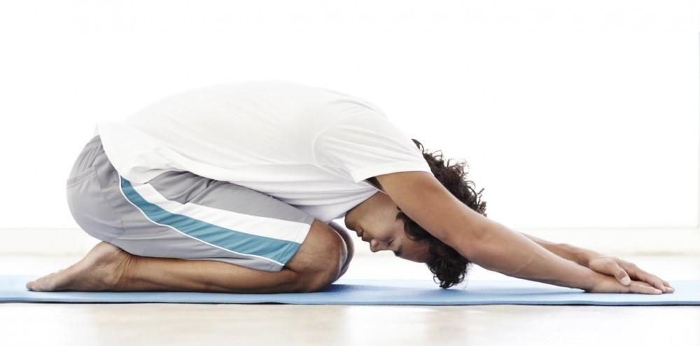 posturas para empezar tu día lleno de energía- postura del niño