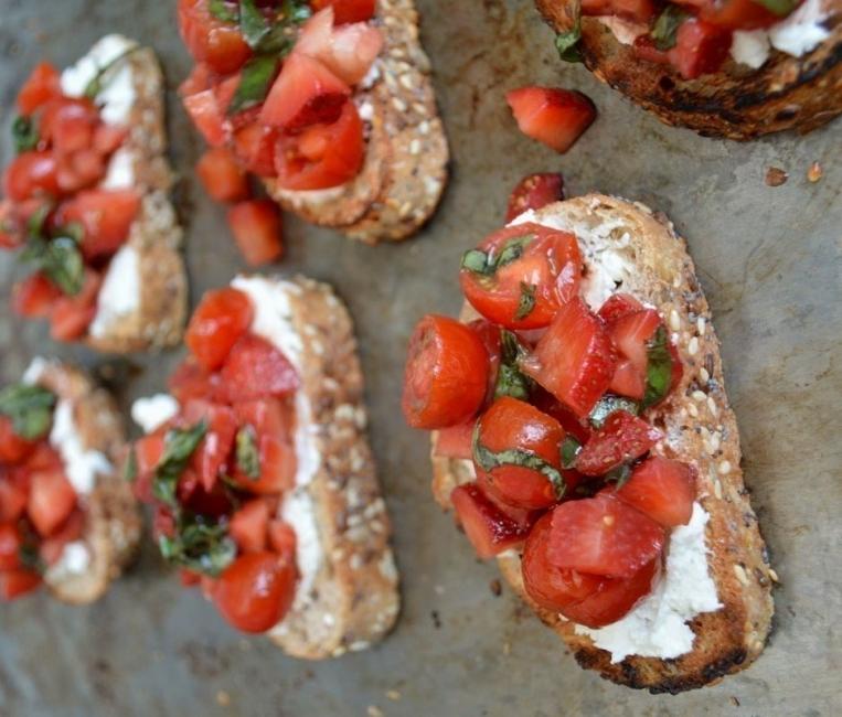 Snacks saludables - tomate y fresa