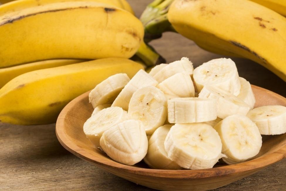 alimentos para deshinchar el abdomen  - plátanos