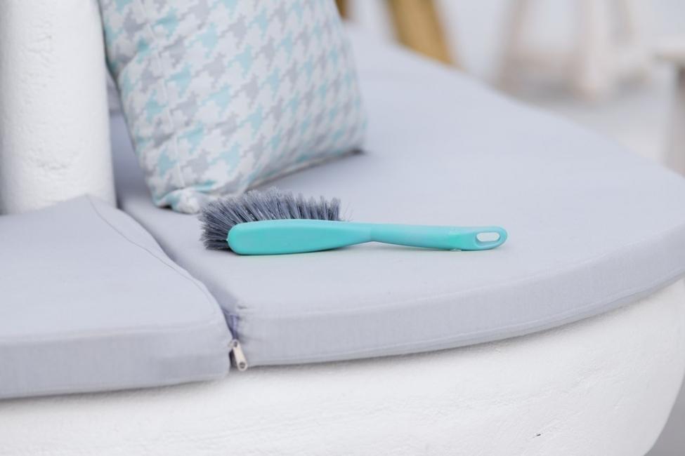 limpiar las almohadas sin usar la lavadora - bicarbonato y aceite esencial