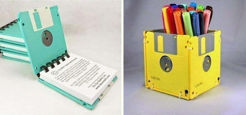 reutilizar basura electrónica -anotadores con diskettes