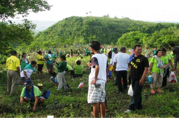 buendiario-Filipinos-plantan-32-millones-arboles-hora