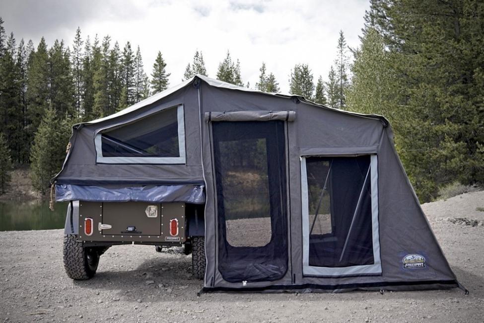 Un trailer que se convierte en una tienda de campaña