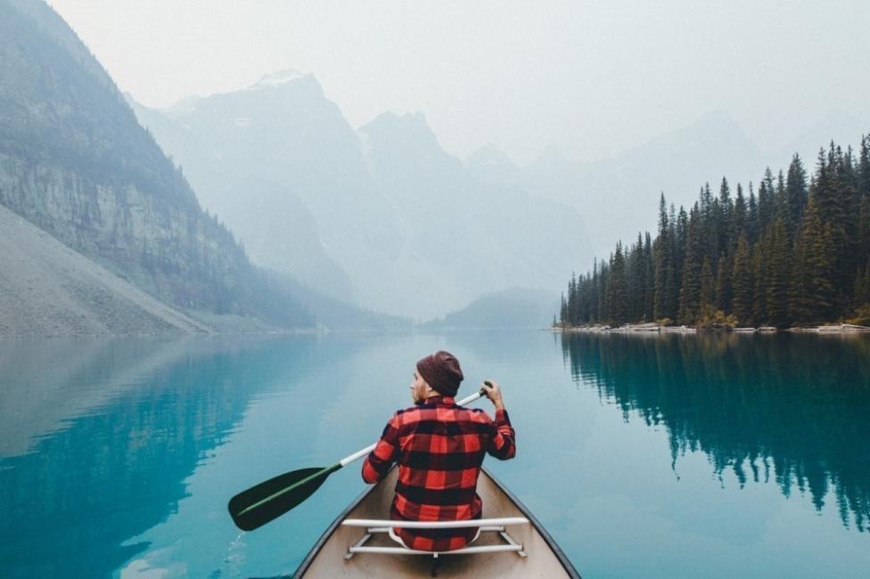 comenzar de nuevo viajando laguna canadá