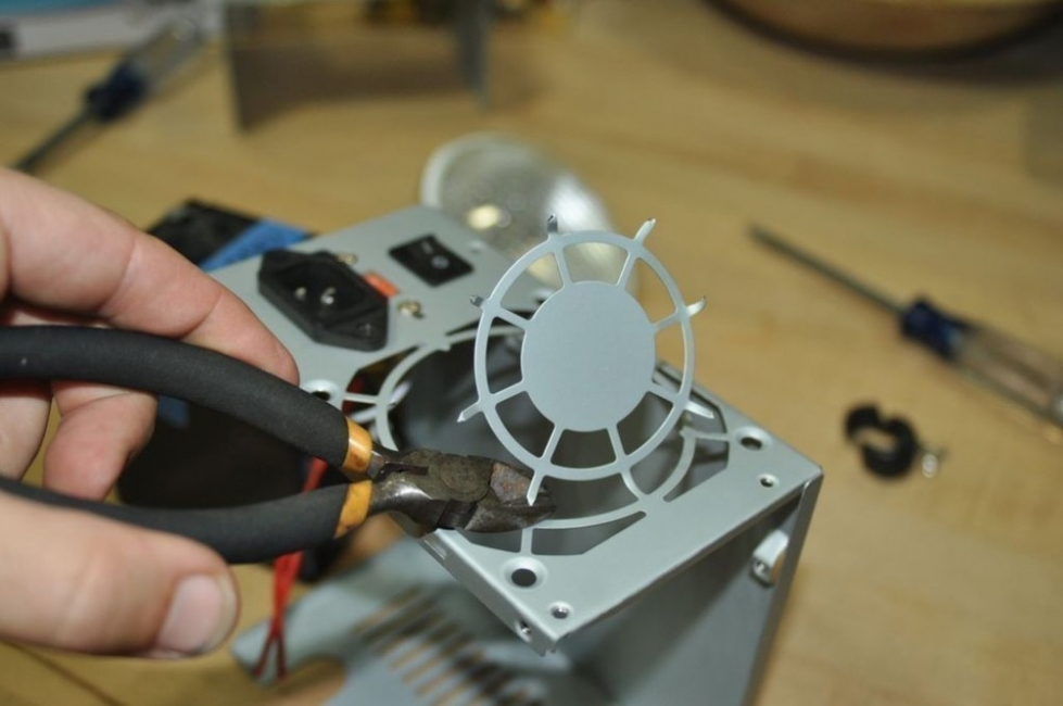 reflector de luz casero - quitar espacio del ventilador para la lámpara