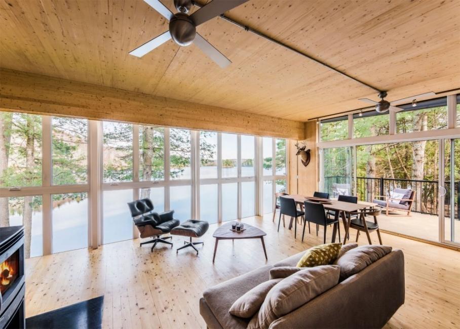 Casa  de paneles de madera- sala