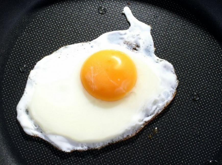 Camotes rellenos de hongos y vegetales - huevo frito con poco aceite