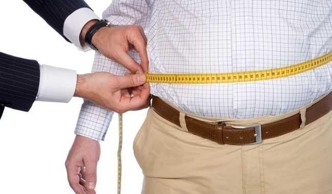 Ver televisión puede aumentar el riesgo de la obesidad