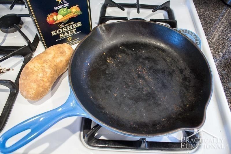 truco para limpiar sartén con patata- materiales