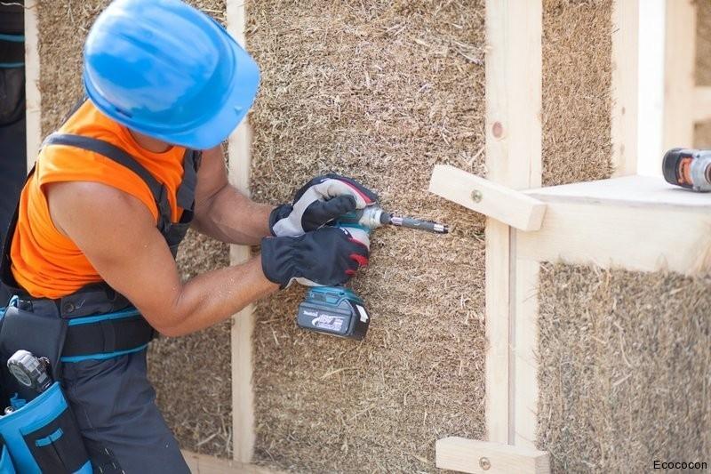 Paneles prefabricados de paja para la construcción de viviendas ...