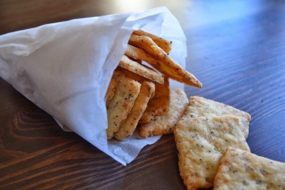 galletas de queso y semillas de amapola - snack salado casero