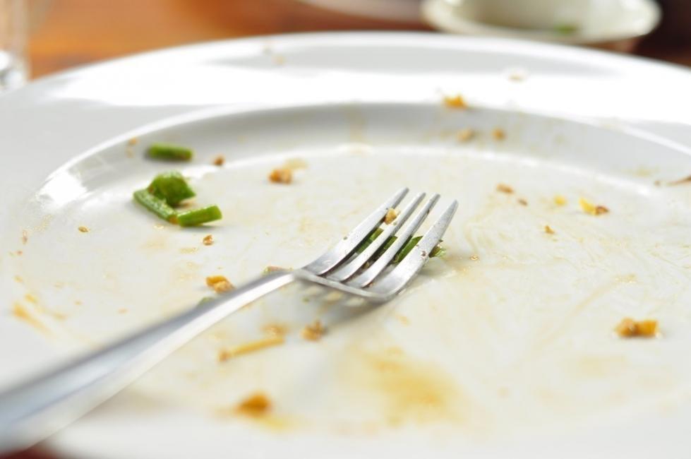 10 maneras de bajar de peso mientras duermes- horario cena