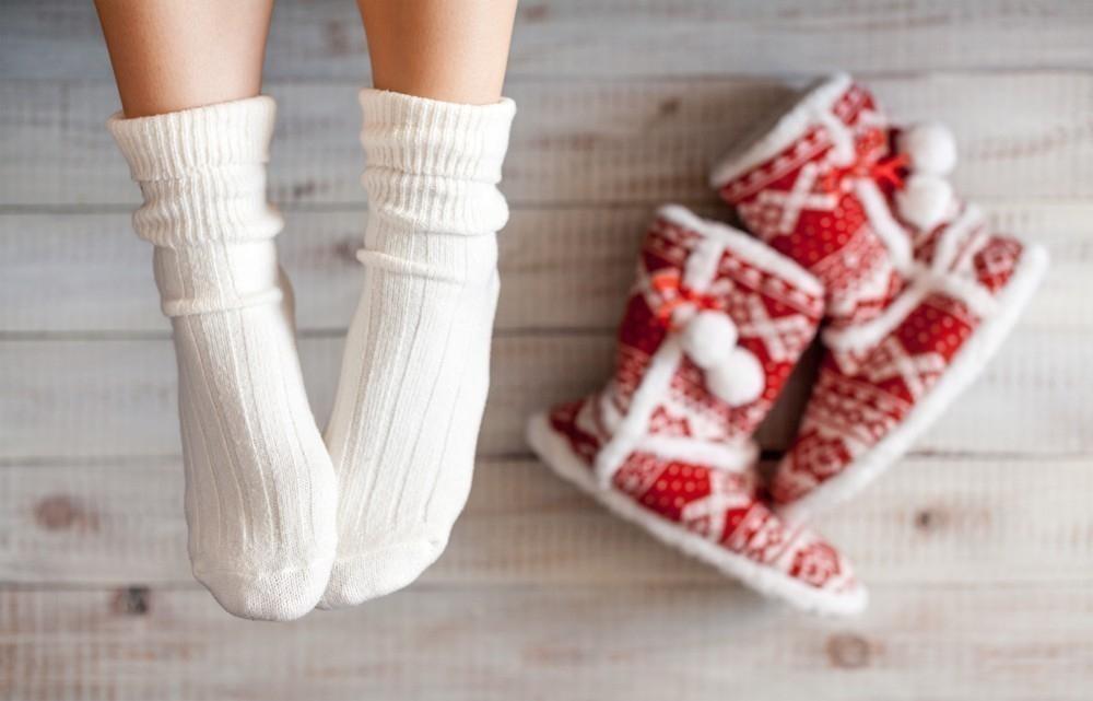 frío en los pies y cómo calentarlos- consejos para mantenerlos calientes
