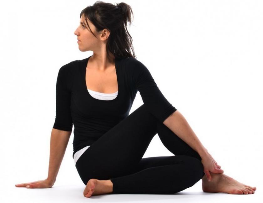 Ardha Matsyendhrasana- yoga digestion