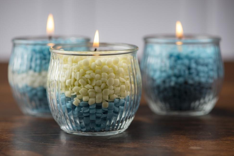 Ideas para decorar tus velas navideñas - velas de colores