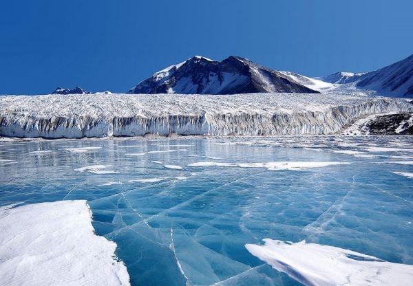 Canada_Glacier_Antartica-1024x711
