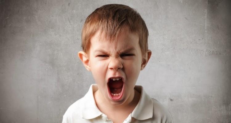La mejor manera de evitar las malas respuestas de los hijos es mantener buena comunicación