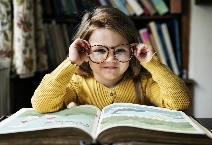 Leerles a los niños pequeños establece las bases para una posterior lectura independiente