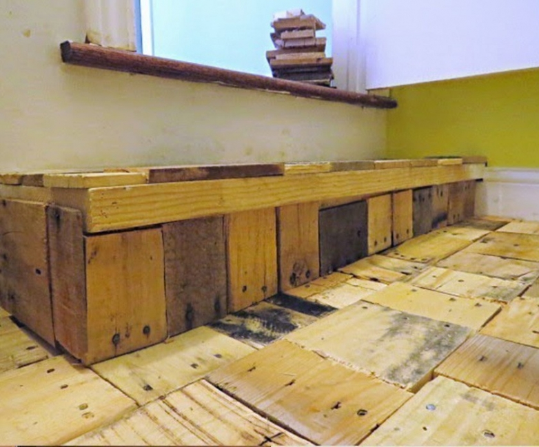 piso parquet casero reutilizando maderas - cubrir las juntas
