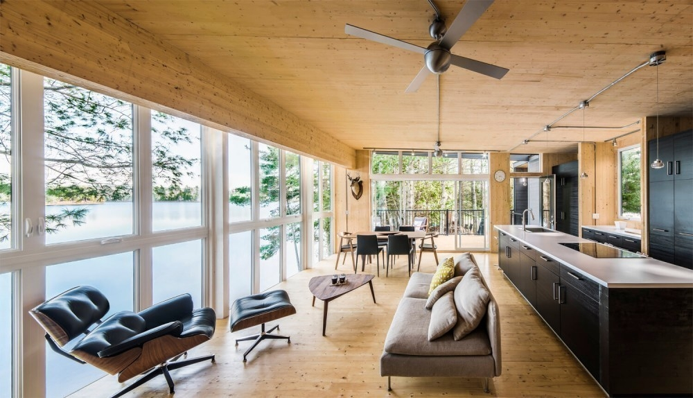 Casa de paneles de madera- interior