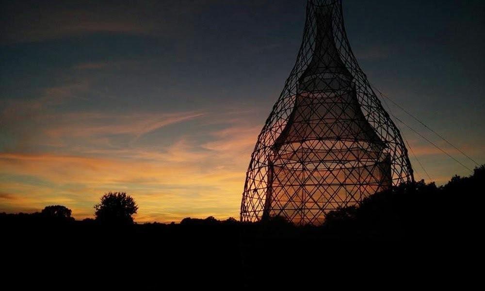 Warka Water - torre de bambú que produce agua -  áfrica