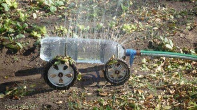 truco de jardinería- regadora casera