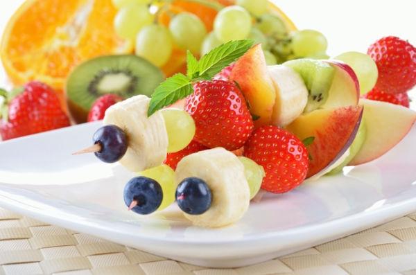 pinchos4Brochetas de fruta