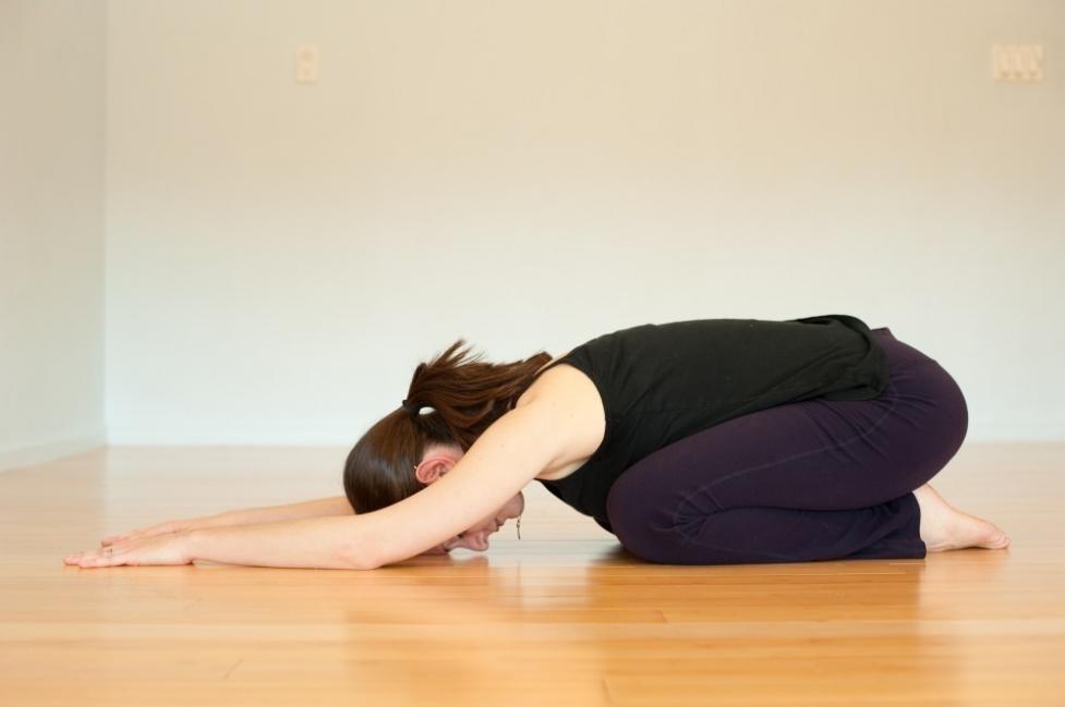 dolor de ovarios - estiramientos yoga