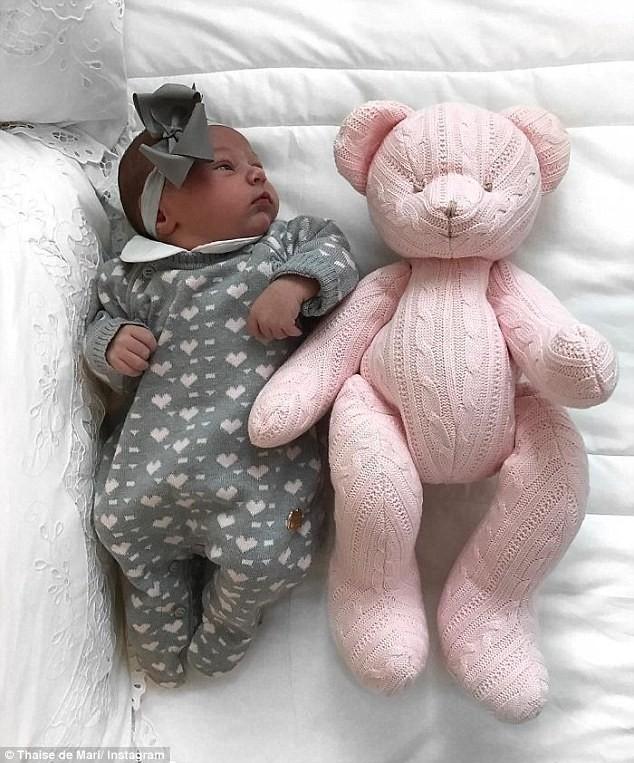 Thaise de Mari foto bebé sonriente al nacer