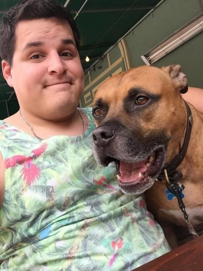 Chris y su perro Bear